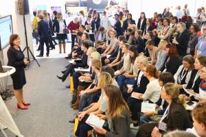 Wirkung von Farben im Business, Vortrag von Brigitte Frank, biz.dress ag, in München auf der Frauenkarrieremese herCAREER 2017